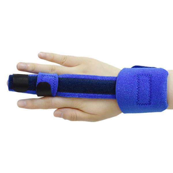 the Trigger Finger Splint on the Middle Finger